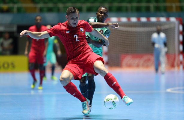 CALI, COLOMBIA - SEPTEMBER 13:  Josue Brown of Panama vies with Re of Portugal during the FIFA Futsal World Cup Group A match between Panama and Portugal at the Coliseo el Pueblo on September 13, 2016 in Cali, Colombia. (Photo by Ian MacNicol - FIFA/FIFA via Getty Images)